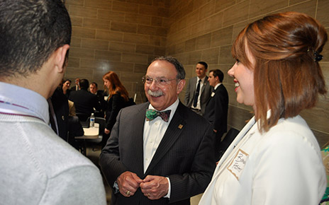 Loftin speaks with students at the Capitol
